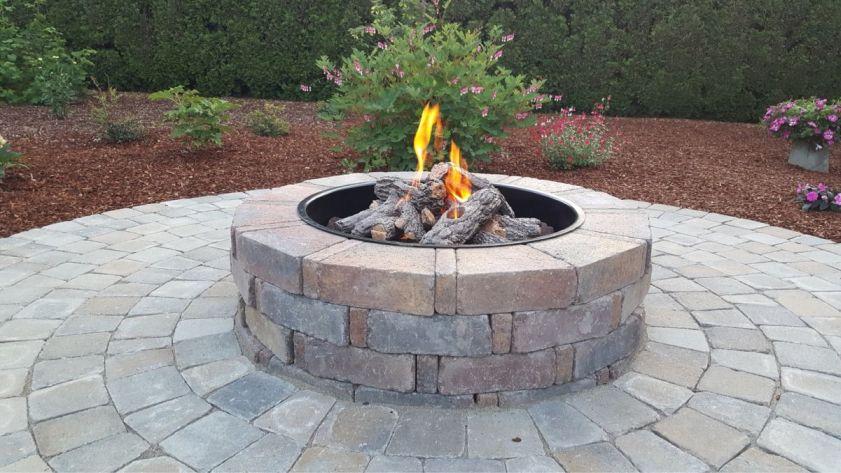 https://shovelandthumb.sfo3.digitaloceanspaces.com/firepit natural stone/Shovel and thumb fire pits 1