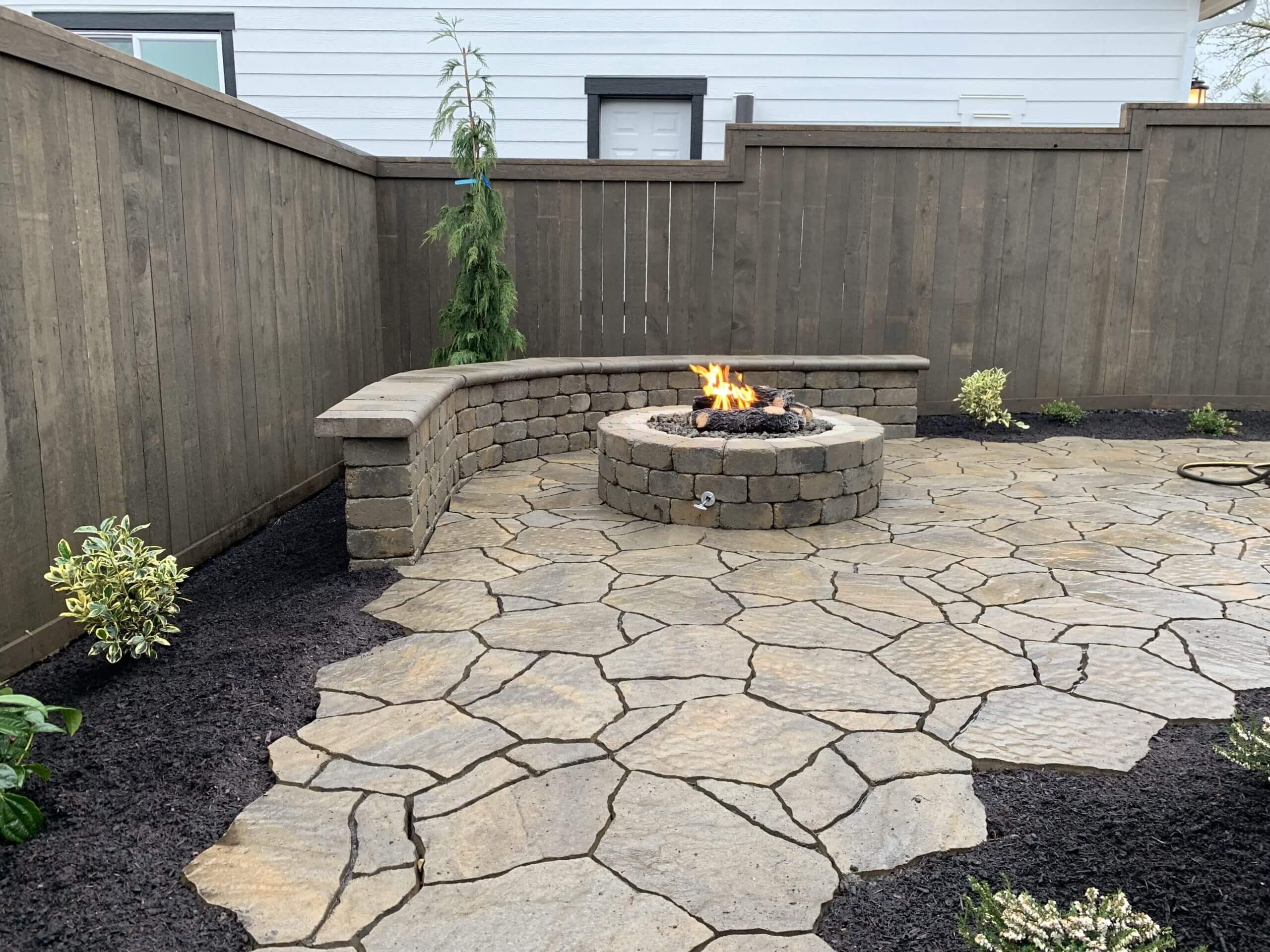 https://shovelandthumb.sfo3.digitaloceanspaces.com/firepit natural stone/firepit 2