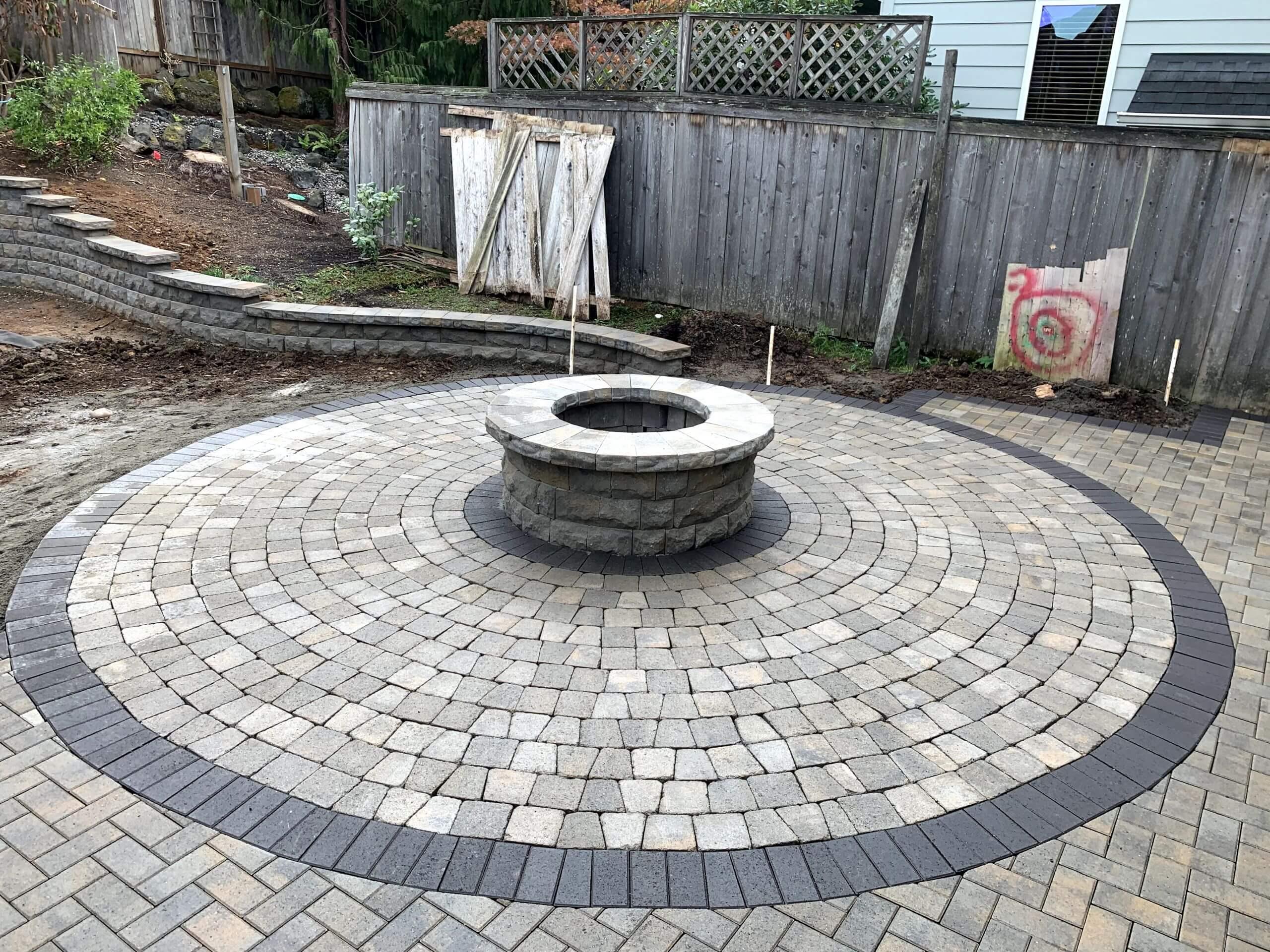 https://shovelandthumb.sfo3.digitaloceanspaces.com/firepit natural stone/firepit 3