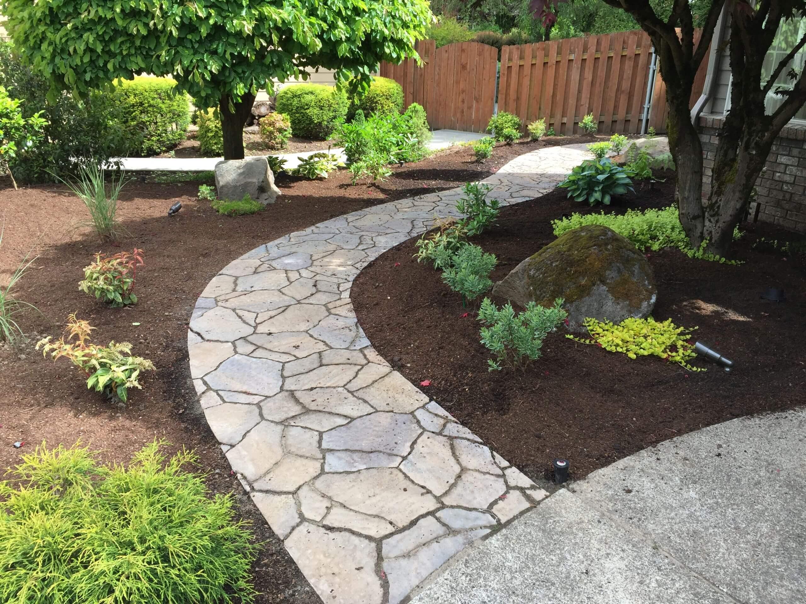 https://shovelandthumb.sfo3.digitaloceanspaces.com/patios walkways/walkway 10
