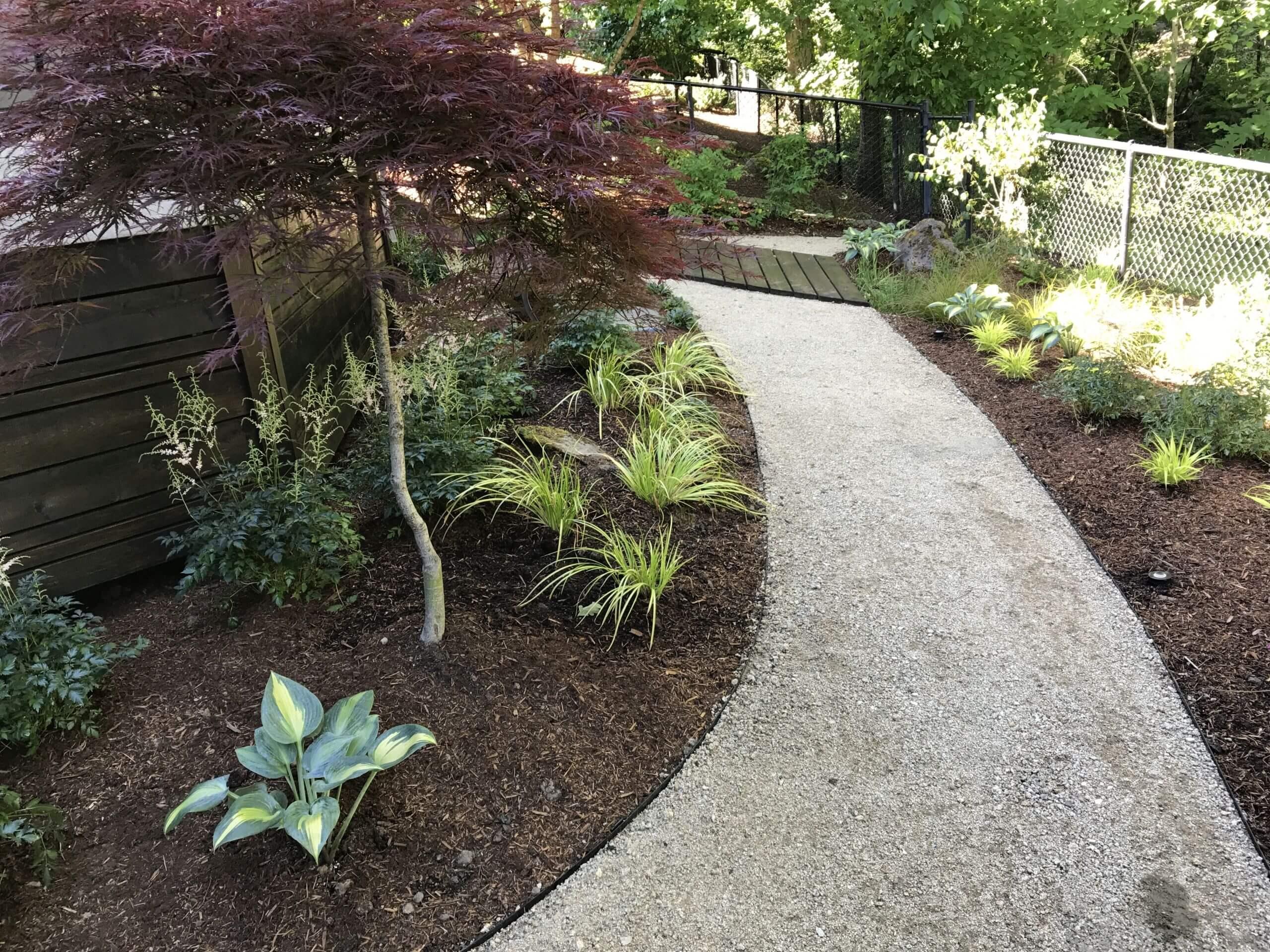 https://shovelandthumb.sfo3.digitaloceanspaces.com/patios walkways/walkway 3