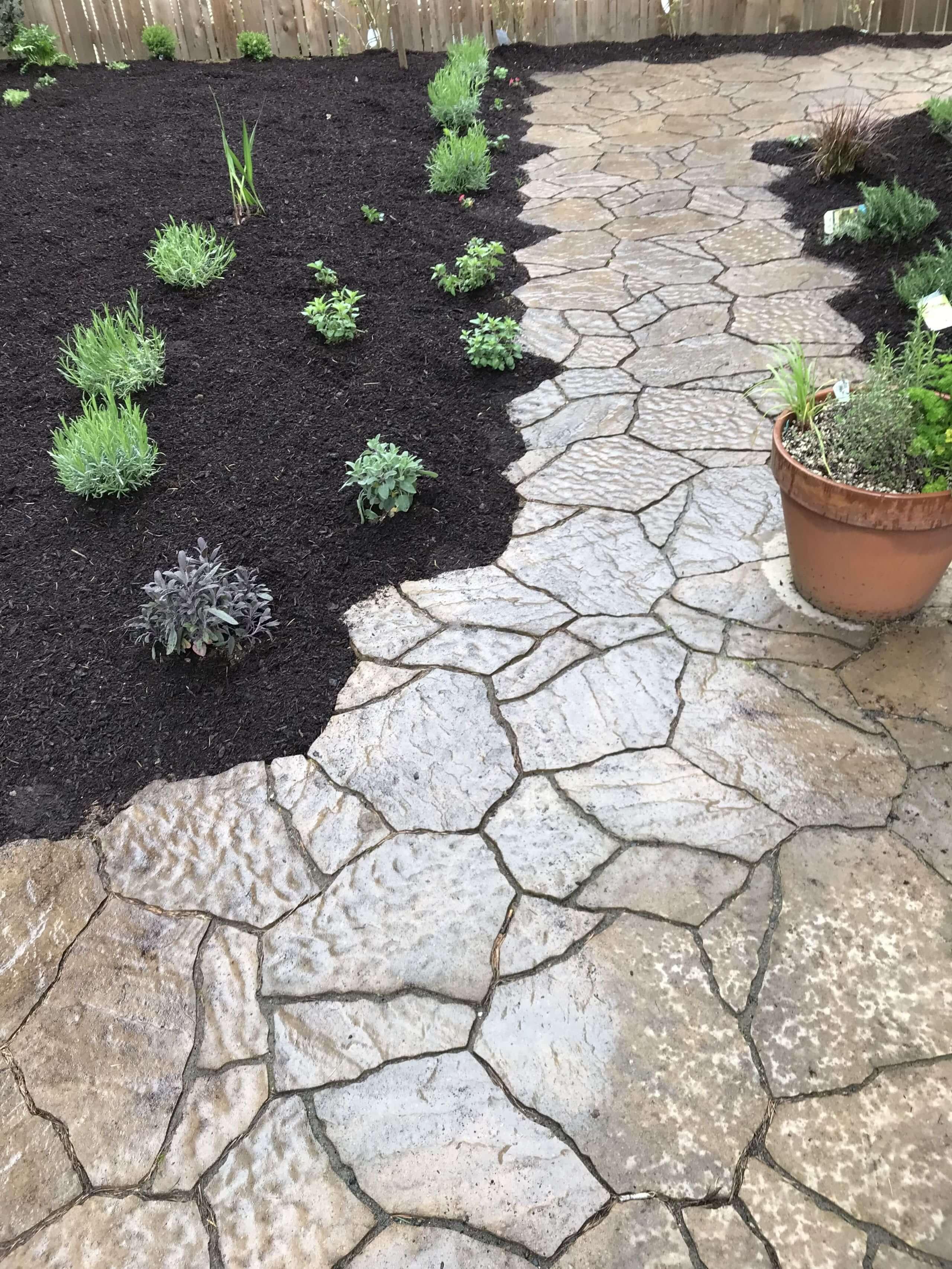 https://shovelandthumb.sfo3.digitaloceanspaces.com/patios walkways/walkway 5