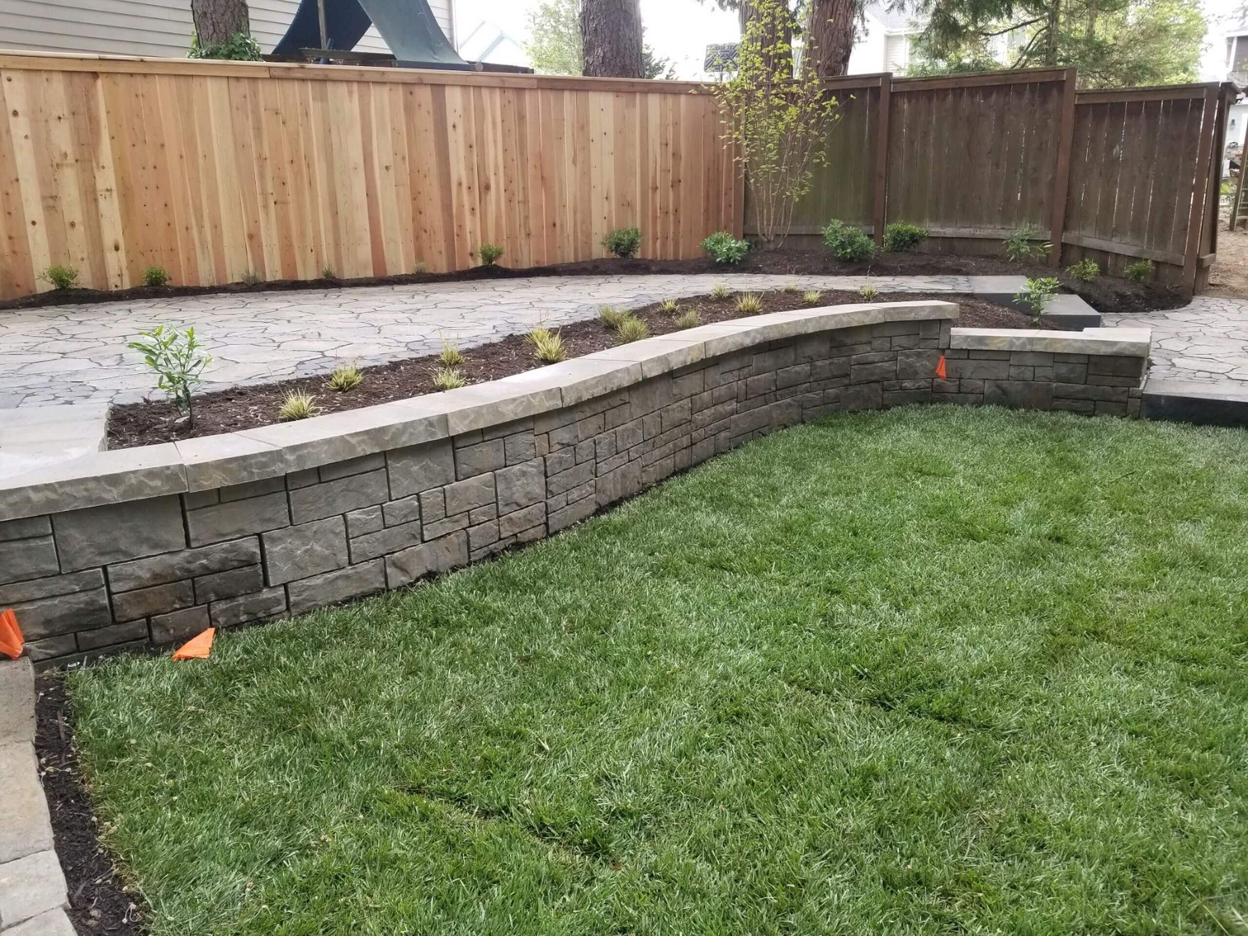 https://shovelandthumb.sfo3.digitaloceanspaces.com/garden walls/garden wall 2