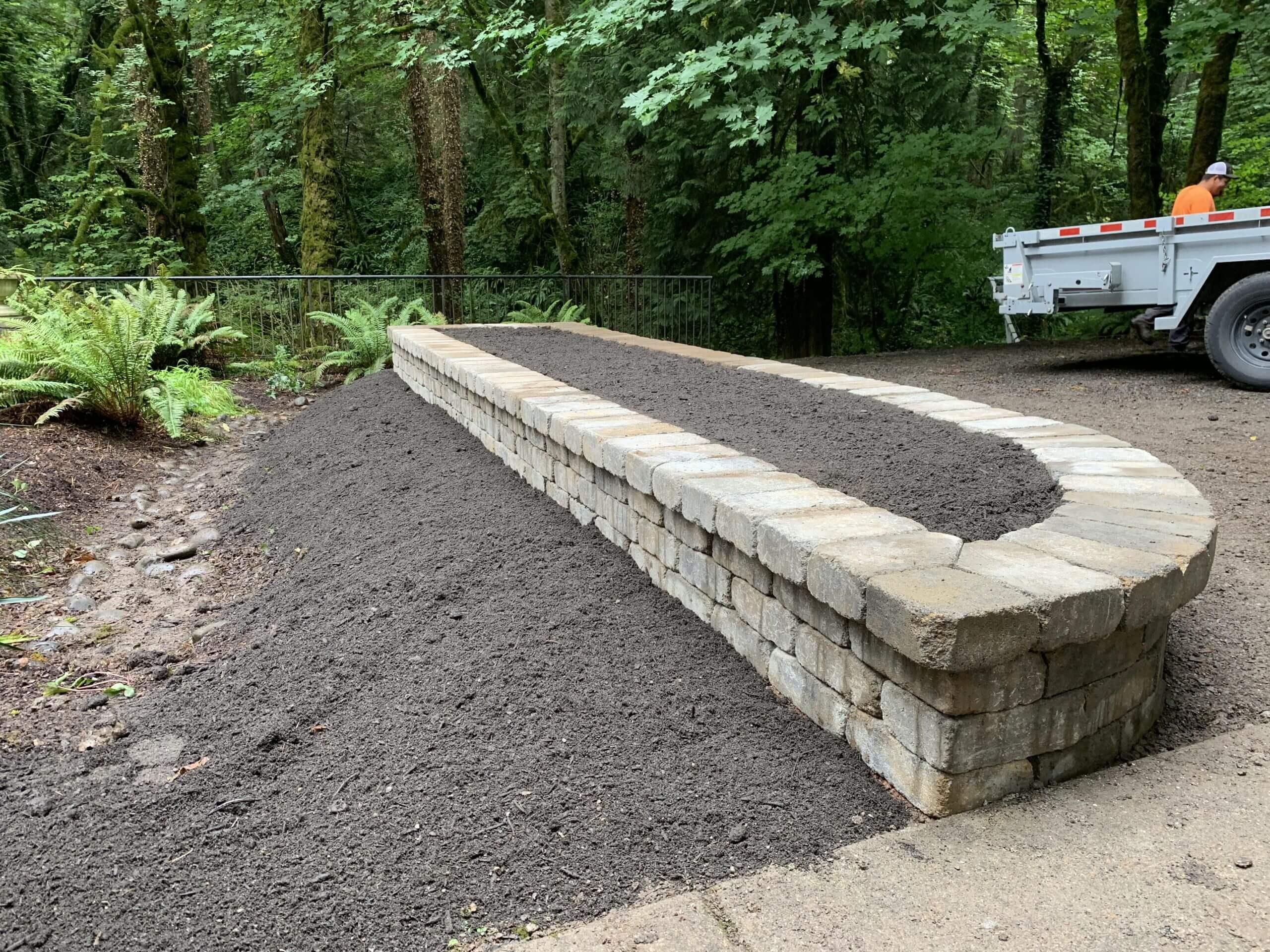 https://shovelandthumb.sfo3.digitaloceanspaces.com/garden walls/garden wall 3
