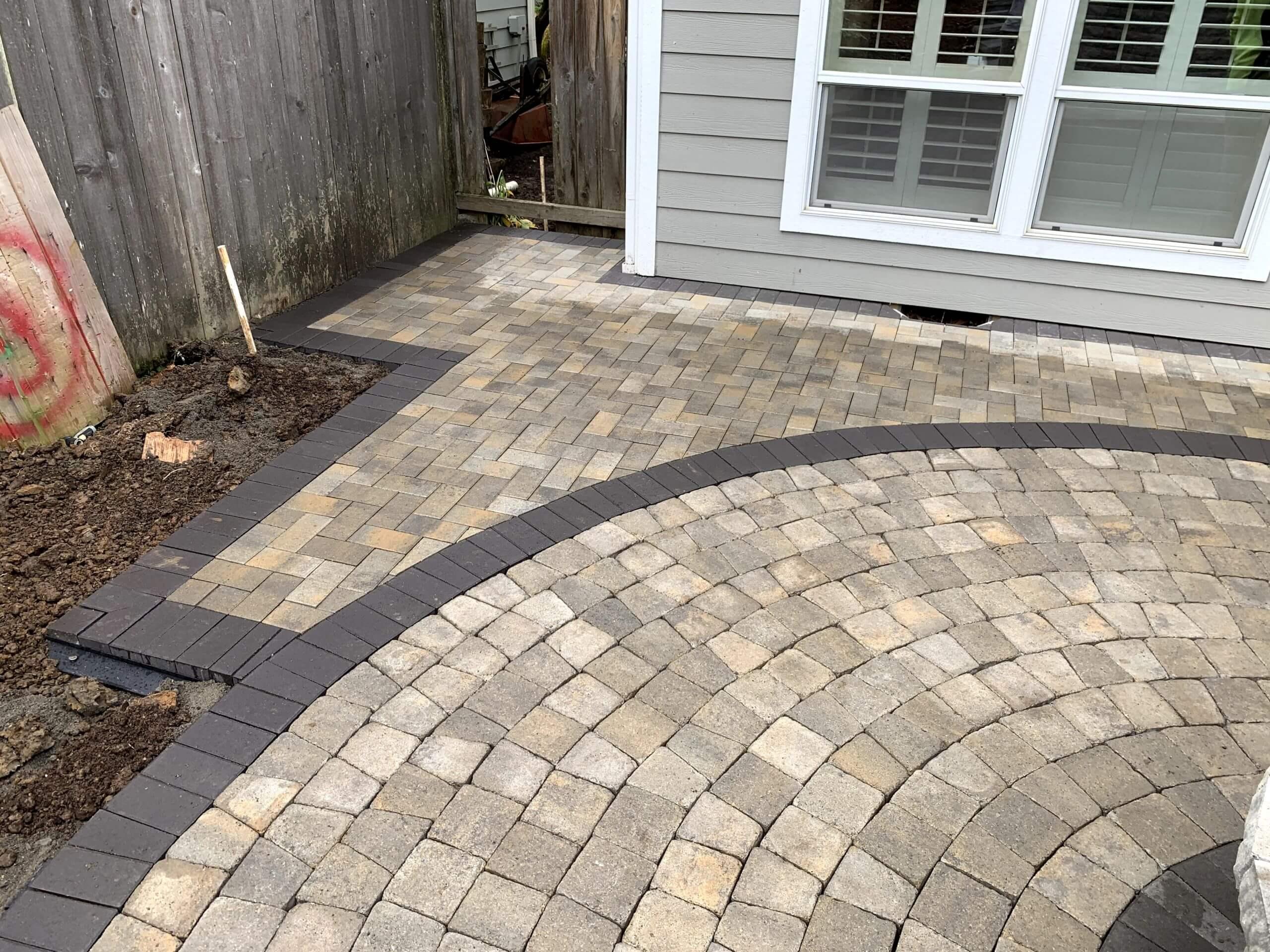 https://shovelandthumb.sfo3.digitaloceanspaces.com/patios walkways/patio 3