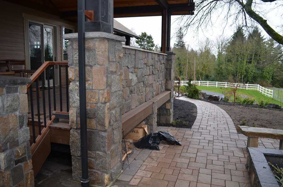 wood and stone patio with walls and columns 3